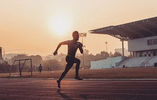 man running so fast upper body naked